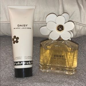 Daisy Marc Jacobs perfumed n lotion